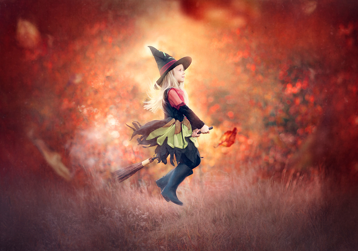 Witch_Halloween_Levitation_photography